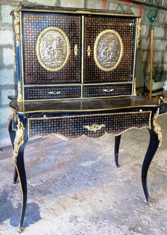 bonheur du jour en marqueterie la reine art et antiques. Black Bedroom Furniture Sets. Home Design Ideas