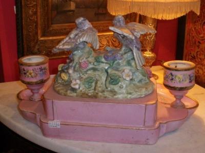 encrier en porcelaine du xviiie art et antiques. Black Bedroom Furniture Sets. Home Design Ideas