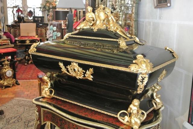 Coffre de mariage Napoléon III estampillé MONBRO Georges-Alfonce-Bonifacio